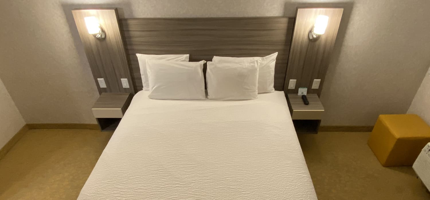 RELAX AND UNWIND IN OUR COMFORTABLE GUEST ROOMS